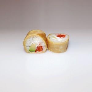 Tamago salmón roll